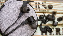 Optoma NuForce BE Live5 Review Best Headphones Earbuds Running With Music